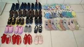 Borongan jual murah sepatu, kaos kaki, topi, dll