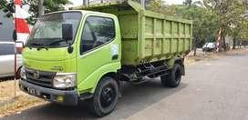 Hino Dutro 130hd Dump truk tahun 2013