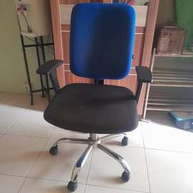 Kursi kerja/ kursi komputer by informa