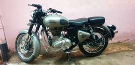 Royal  enfield  classic  350 gunmetal  grey in a mint condition