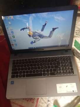 Laptop Asus brand