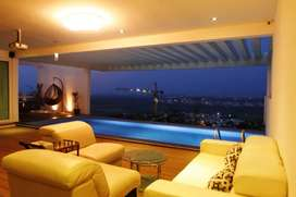 Brand New Villa on Top Floors with Private pool!!