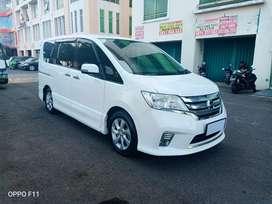 Nissan Serena HWS 2014 A/T Putih Mutiara Super Istimewa