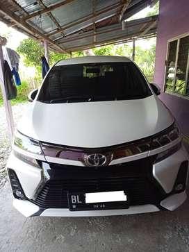 Toyota Avanza 1,3 Veloz bensin 2019, pemakaian 2020. warna putih.