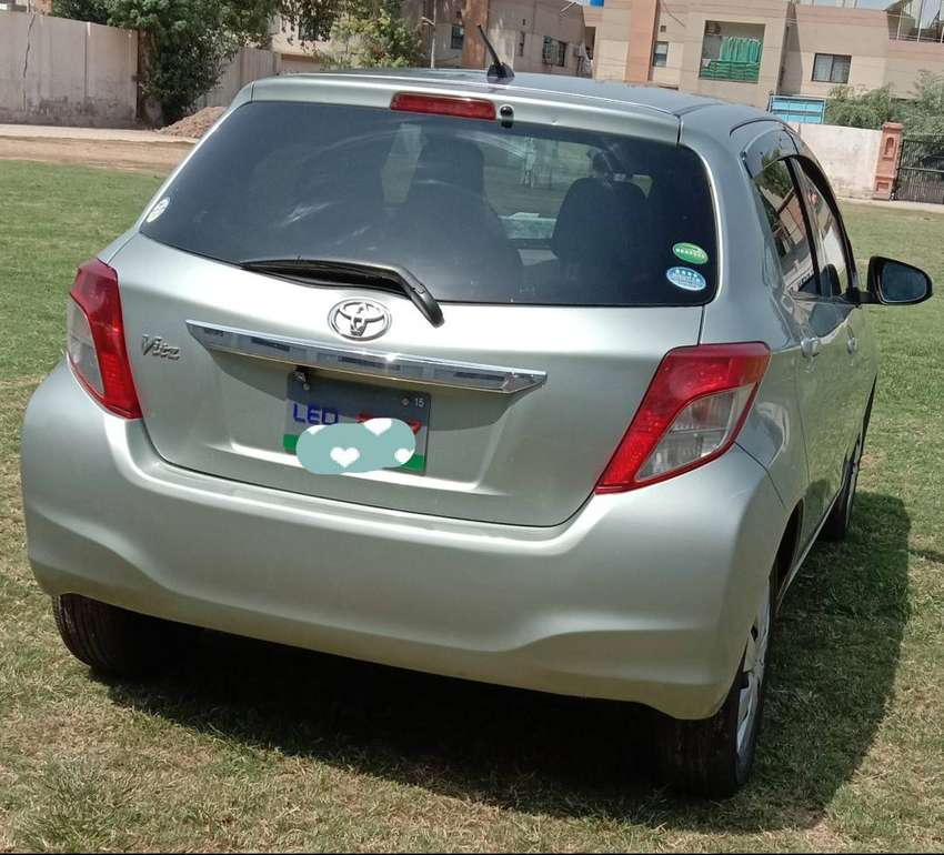 Toyota vitz 2011 import and register in 2015 0