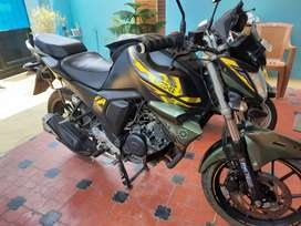 Fz-S V2. Perfect maintenance, Lite used, Fresh and excellent engine.