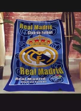 Handuk mandi motif klub bola real madrid