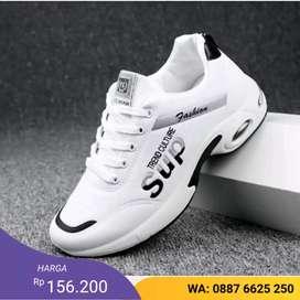 SEPATU SNEAKERS PRIA SUP VDAC-029 warna: putih , hitam,