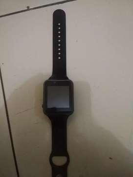 Di jual jam tangan hp untuk  anak warna hitam kondisi masih bagus
