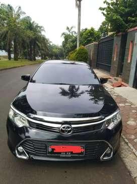 Toyota Camry 2.5 V AT Black On Beige Tahun 2017