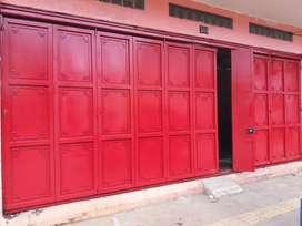Pintu gudang lipat dan seleding bergernasi