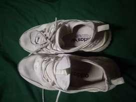 sepatu running 39