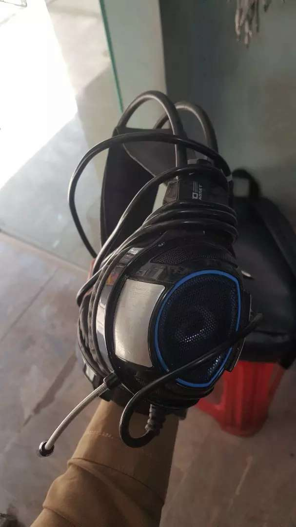 Headphones for mobile and for laptop. 0