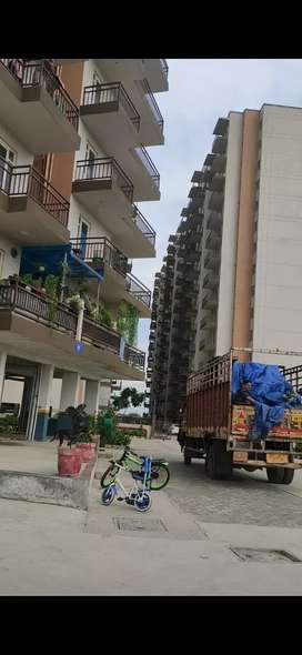 3bhk ready flat on rent with huge balcony on dwarka expressway