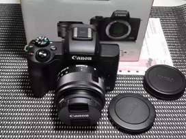 Camera mirrorless canon m50.