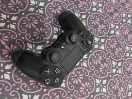Sony PS4 Dualshock 4 (CONTROLLER) FOR SALE