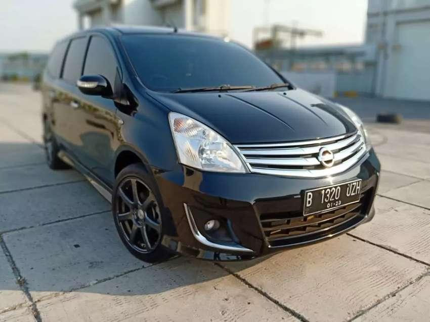 Nissan Grand Livina XV AT 2012 0