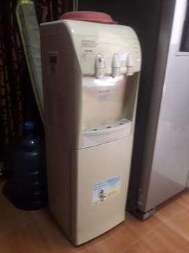 Dispenser air Sanken HWD-985SH
