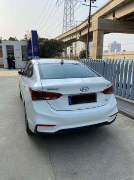 2018 Hyundai verna auto sx opt (diesel automatic ). with sunroof.