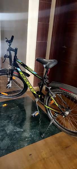 HERCULES FX200 (26) ( BRAND NEW CYCLE )