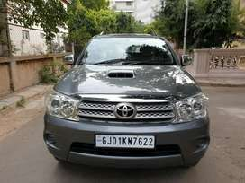 Toyota Fortuner 2.8 4X2 Manual, 2011, Diesel