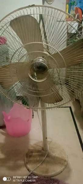I m selling my Stan fan
