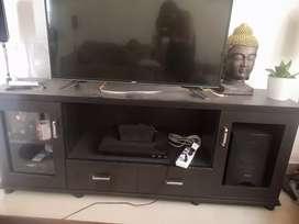 Tv unit in excellent condition( only  tv stand is for sale)