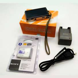 Sony Made in Japan 10.1 Mega Pixel Digital Camera and Charger Battery
