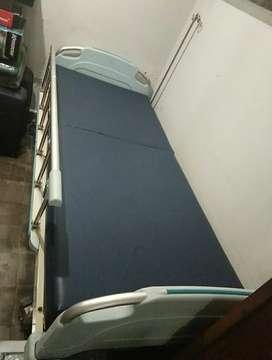 Tempat tidur pasien Acare