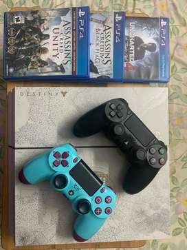 PS4 - Special Edition 500gb 2 controllers 3 games