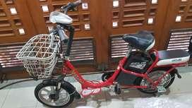 Sepeda Listrik Merek United