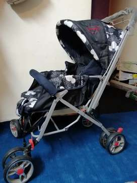 1 months used imported pram
