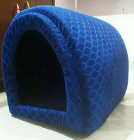 Rarely used pet/cat house in good condition
