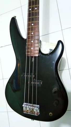 Bass yamaha elektrik
