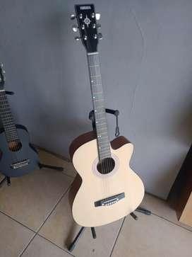 Gitar Pemula Tanam Besi Natural