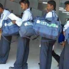 delivery boy / parcel delivery boy / field boy