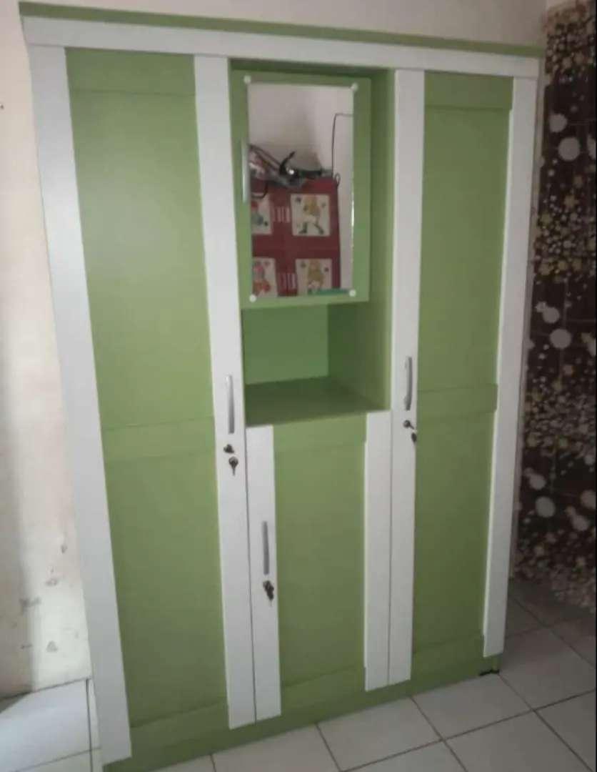 Lemari 3 pintu minimalis BL6