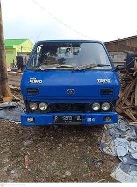 Jual truk Dyna Rino 4 ban
