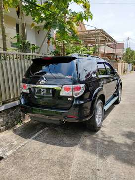 fortuner type V 4x4 th 2013 tangan 1