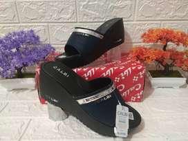 Sale Cuci Gudang Sandal Calbi wanita wadges New Arrival Kekinian