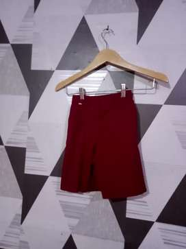 Celana seragam sekolah
