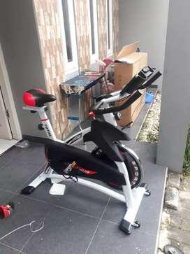 Sepeda statis  besar Tl  920