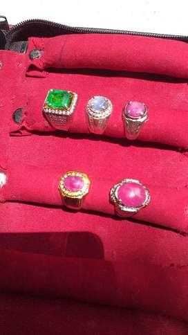 Cincin permata jamrud, ruby dan safir