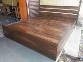 Bed's  SLIDING WADROBES SOFAS ALMARI KITCHEN TROLLEY MANUFACTURING