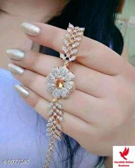 Women's fashion bracelet