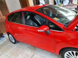 Dijual Ford Fiesta Merah Istimewa