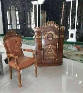 mimbar masjid dan kursi