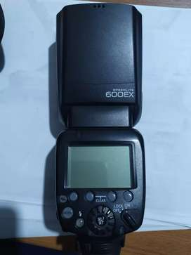 Flash kamera Canon speedlite 600ex