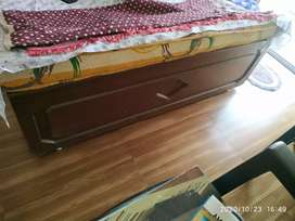 Queen Size Bed 6x5 of Proper Good quality Plywood