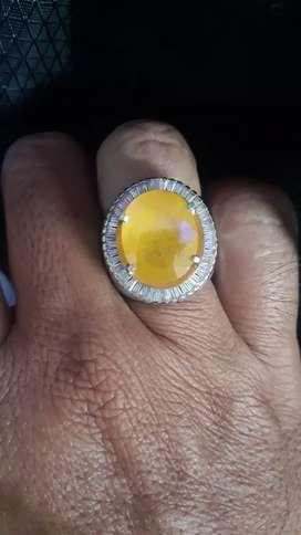 Natural Yellow Safier / Yakut